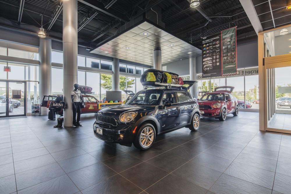 Gain Group Car Showcase Island Floor Centre Ltd